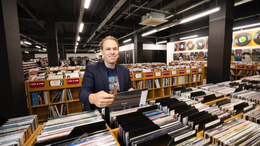 Doug Putman HMV