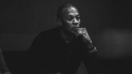 Dr.Dre GRAMMYS uai - Audio Media International