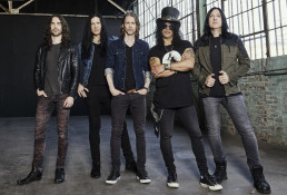 Gibson Records Slash featuring Myles Kennedy and the Conspirators