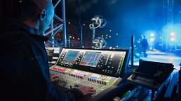 Lewis Capaldi Scarborough MonitorActionShot JordanMcLachlan uai - Audio Media International