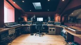 distantcitymainjpeg uai - Audio Media International