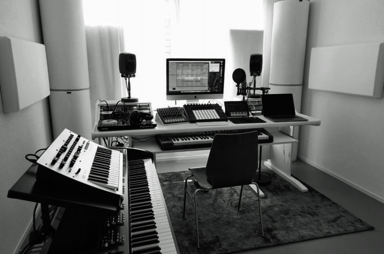 home studio - Audio Media International