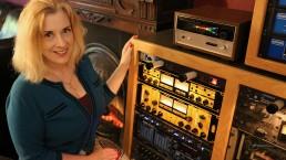 main sylviamassy studiodivine fireplace uai - Audio Media International